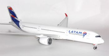 Airbus A350-900 LATAM Brasil Inflight 200 Diecast Collectors Collectors Model 1:200 IF350JJ002 E